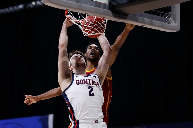 Gonzaga's Drew Timme dunks the ball against USC's Evan Mobley during their Elite Eight game.