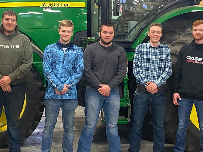 Pictured from the left are current Spoon River College students Kevin Williams (Havana), Skylar Burgard (Canton), Andrew Hughes (Mount Sterling), Daniel Hammond (Macomb), and Daniel Taflinger (Bushnell) were recipients of scholarships for DPST students.