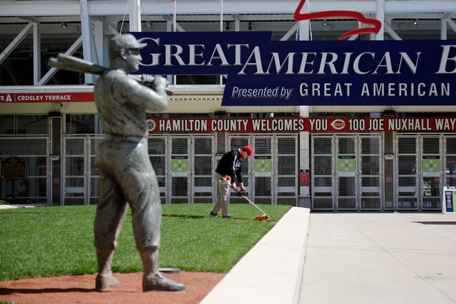 Former Cincinnati Reds slugger Ted Kluszewski, memorialized in bronze outside Great American Ball Park, may need a sweater for the Reds' opening-day game against St. Louis on Thursday, when the forecast calls for high temperatures in the 30s.