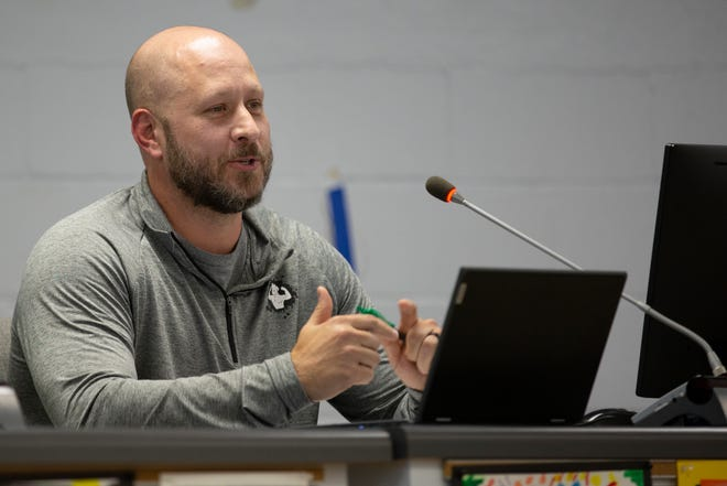 Maury Couty Public Schools board member David Moore speaks during a budget planning session at Horace O. Porter School in Columbia, Tenn., on Tuesday, March 30, 2021.