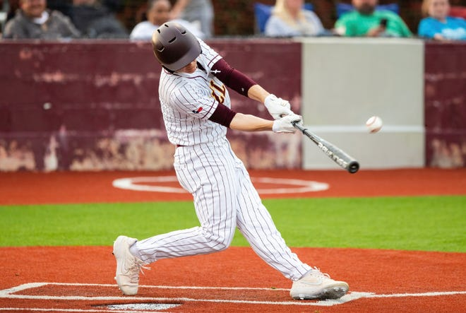 Bells' Landon Morse was 4-for-4 with a pair of doubles, three RBI and also earned the win as the Panthers beat Whitewright in District 11-3A action.