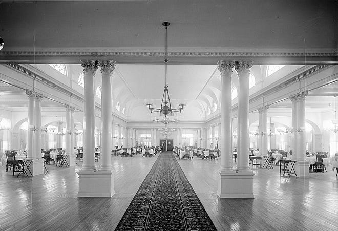 The vast dining room at the Hotel Royal Poinciana could seat 1,200 people comfortably.