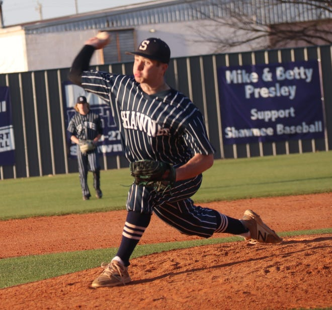 Shawnee's Bauer Brittain fires a pitch against Glenpool Tuesday night.