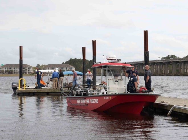 New Bern Fire Rescue and the Sydney Dive Team return to Lawson Creek Park.