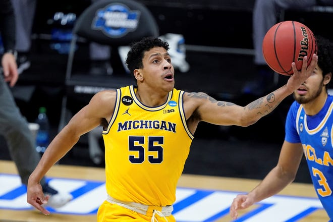 Spring Grove High School graduate Eli Brooks will return for a fifth year with the Michigan Wolverines.