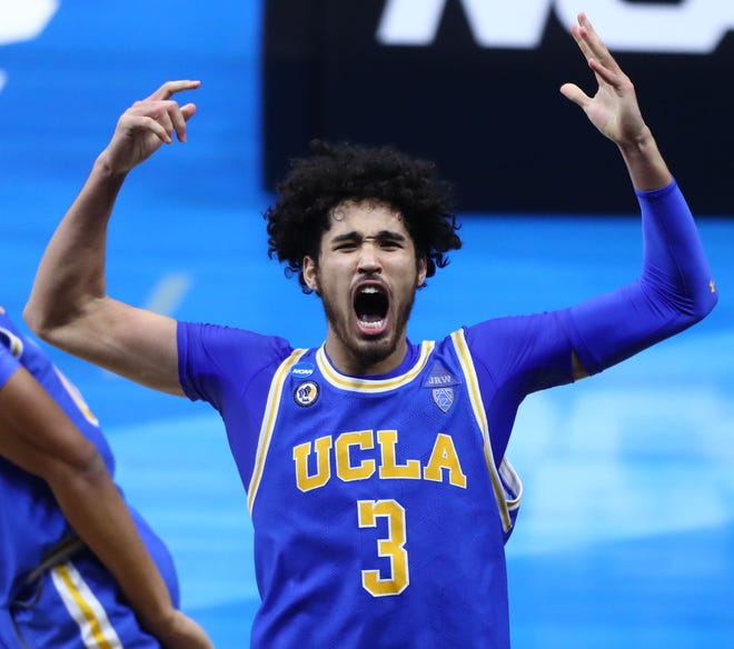 Johnny Juzang and the UCLA Bruins are big favorites to win the Pac-12 men's basketball title this season.