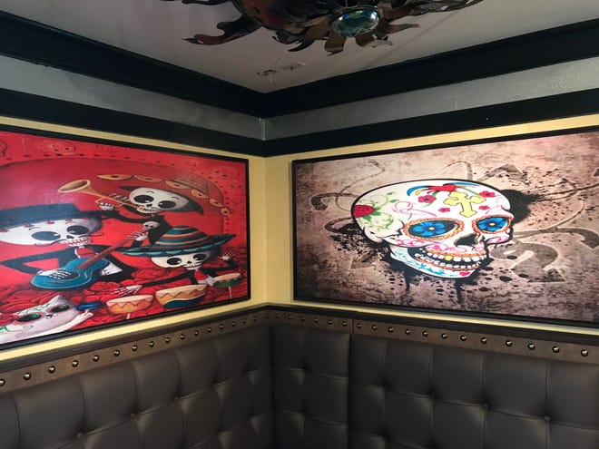 La obra de arte deslumbra en 1942 Tacos & Tequila en East Rochester.