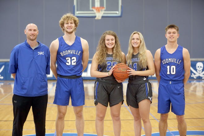 Boonville had four players, one coach recently selected to the KMZUDream Team for the 2020-21 basketball season. Heading the KMZU Dream Team for Boonville were (left to right) Boonville girls basketball coach Jaryt Hunziker, Coach of the Year, Charlie Bronakowski, Kourtney Kendrick, Addi Brownfield and Luke Green.