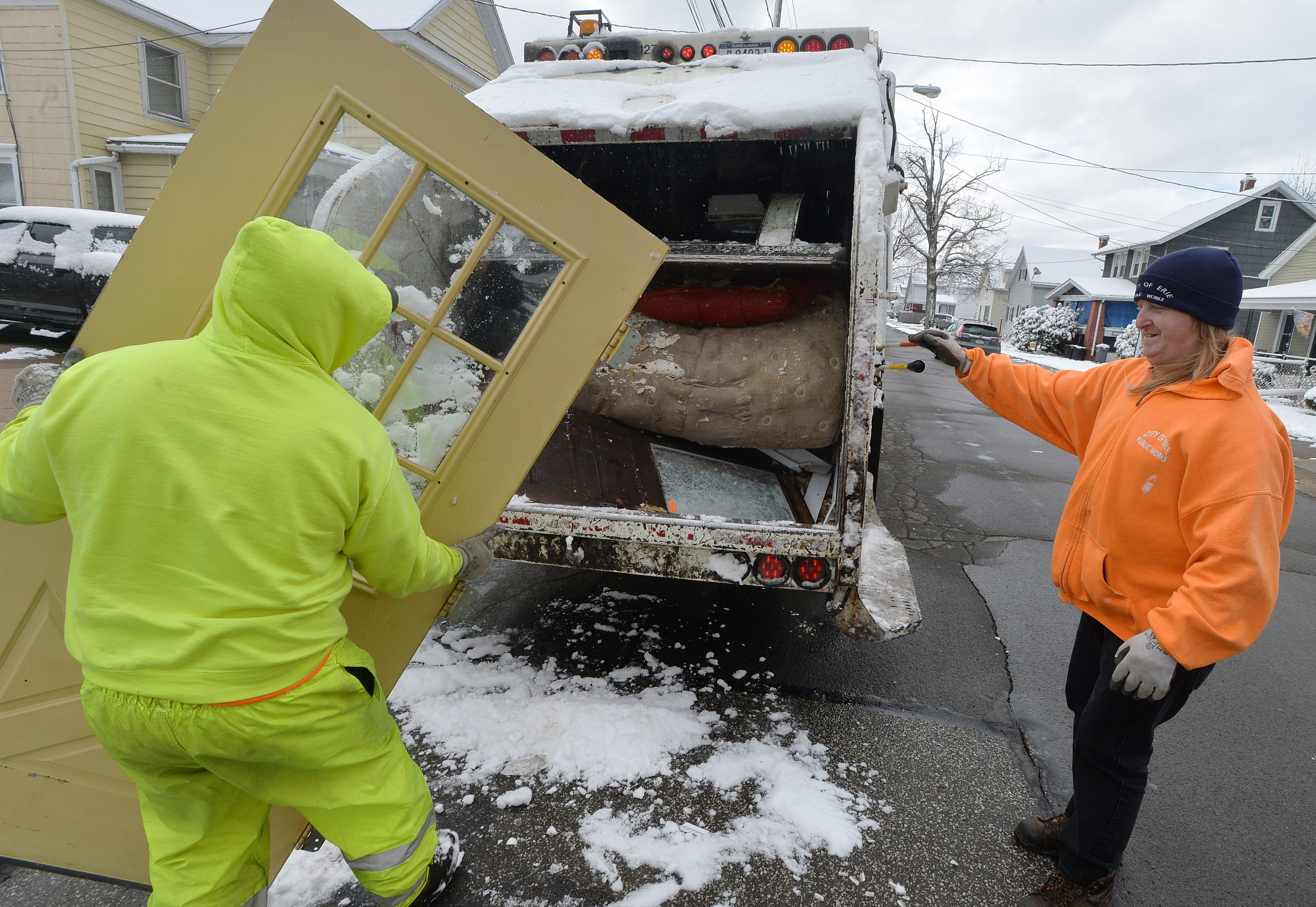 2021 Erie Christmas Garbage Pickup Schedule Erie S Large Item Collection Program Inside The Numbers