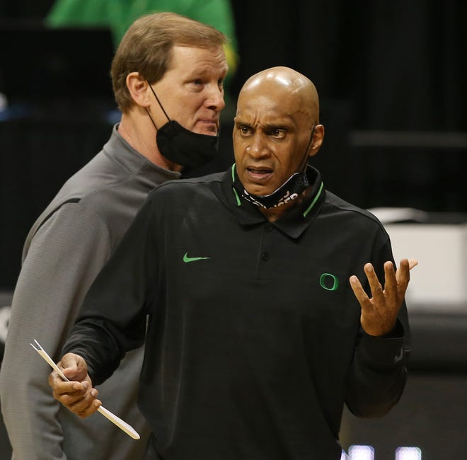 Tony Stubblefield, right, has been an assistant coach for all 11 seasons Dana Altman has been the coach at Oregon. Stubblefield was hired Thursday as the head coach at DePaul.