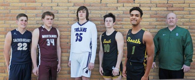 From left, Caleb Gilliland, Reed McHenry, Eli Sawyers, Devon Junghans, Josh Jordan,  Coach Jason Hooper