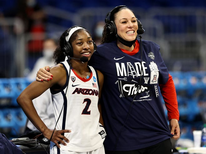 Aari McDonald and Arizona coach Adia Barnes after the win over Indiana during the Elite Eight on March 29, 2021 in San Antonio.