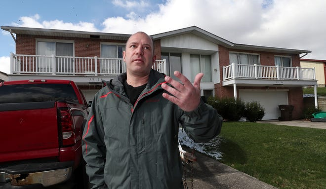 Scott Eiber discusses how Summit County sheriff's deputies treated him during a standoff in February on the other side of the duplex where he lives. He says deputies entered his home, watched him get dressed and then confined him in the back of a locked vehicle as the standoff took place.