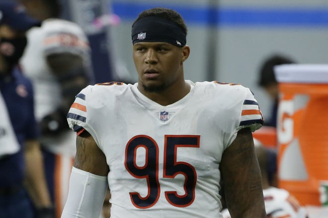 Bears defensive end Roy Robertson-Harris looks on during a 2020 game against Detroit. Harris is among multiple free agents joining the Jaguars for 2021.