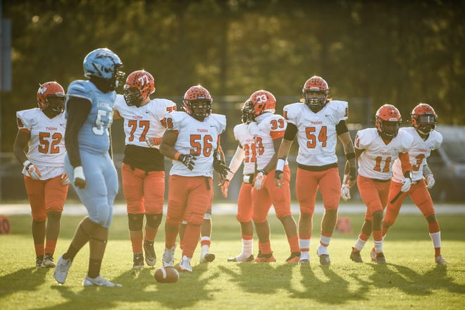 South View's stout defense will look to slow down Gray's Creek running back Jerry Garcia Jr. on Friday night with hopes of claiming the outright Patriot 4-A/3-A Conference title.