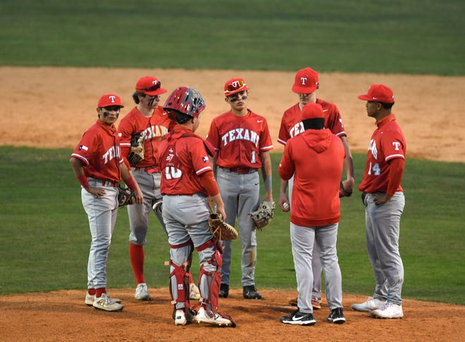 Gregory-Portland faces Ray in a District 29-5A baseball game, Thursday, April 1, 2021. Gregory-Portland won, 8-3.