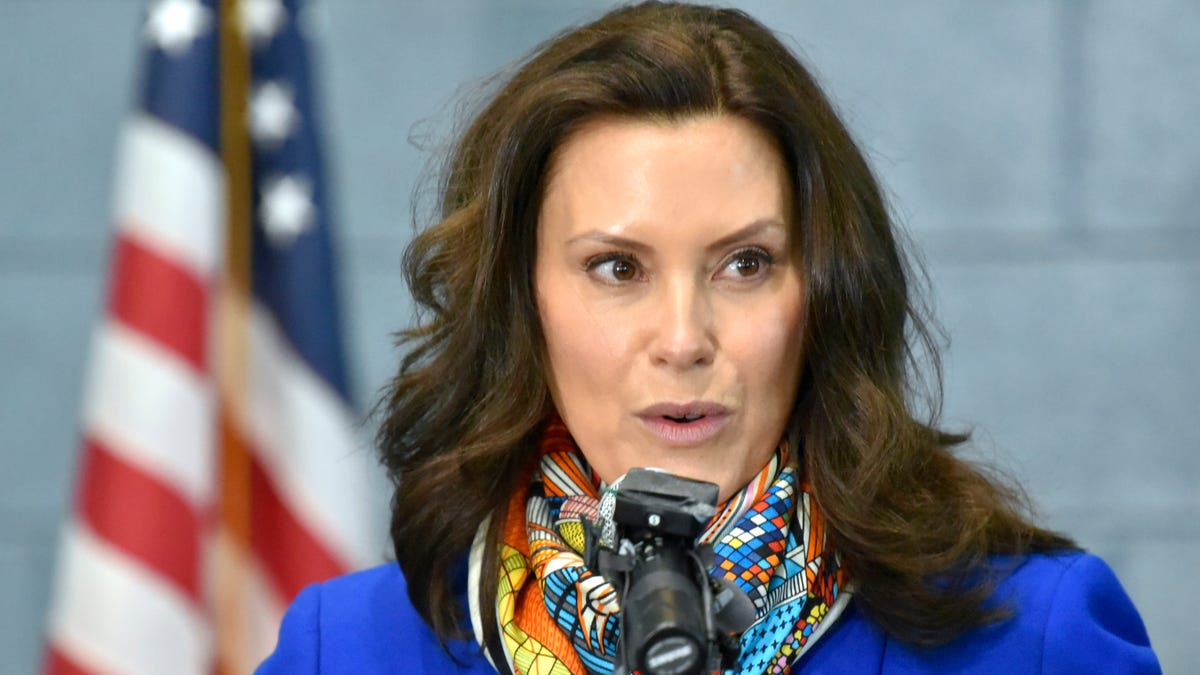 Whitmer asking diners to take a 2-week break from indoor dining called 'misguided' 1