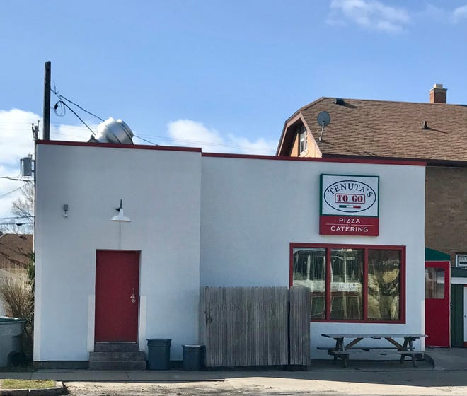 Tenuta's To Go, 3902 S. Whitnall Ave. at Howard Avenue, has permantly closed. Sister restaurant Tenuta's remains open at 2995 S. Clement Ave.