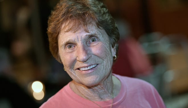 Englewood's Sue Parsons Zipay, 87, a former player in the All-American Girls Professional Baseball League in the 1950s, hopes to start a women's baseball league on Florida's west coast.