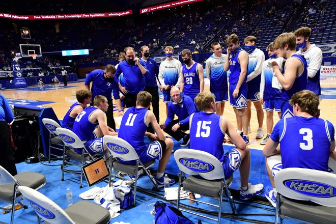 Head Coach Kevin Listerman rallies his Highlands Bluebirds during a timeout at the 2021 KHSAA Boys Sweet 16, April, 1, 2021.