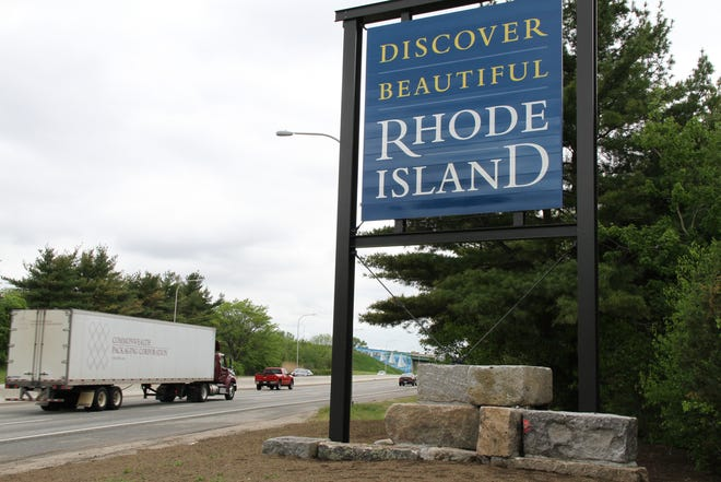 A Rhode Island welcome sign on Route 195 westbound.