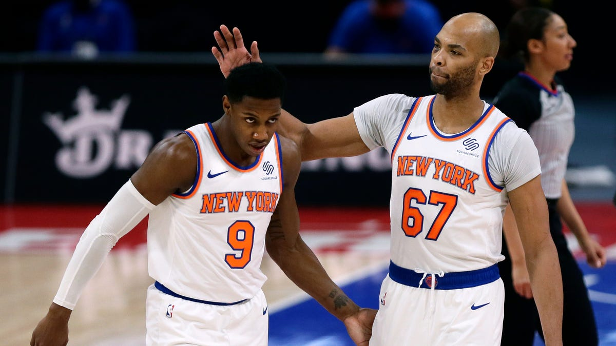 Knicks score first 14, never look back in rout of Pistons 2