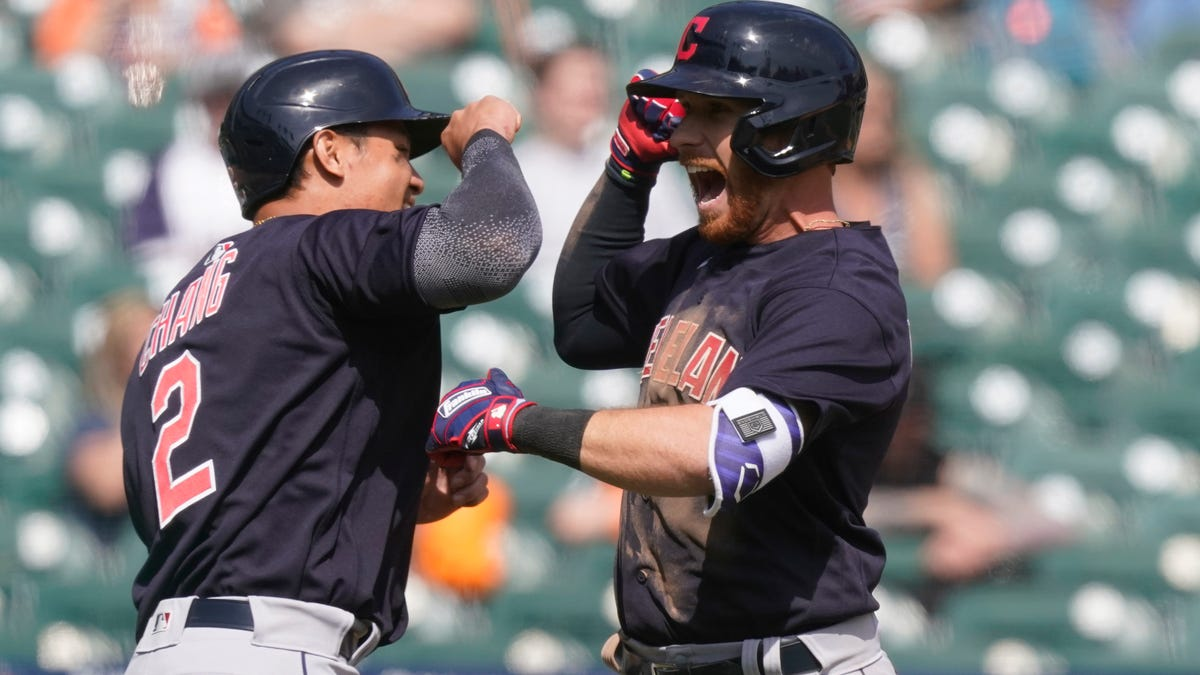 Tigers rookies excel, but Indians rally to avoid series sweep 1