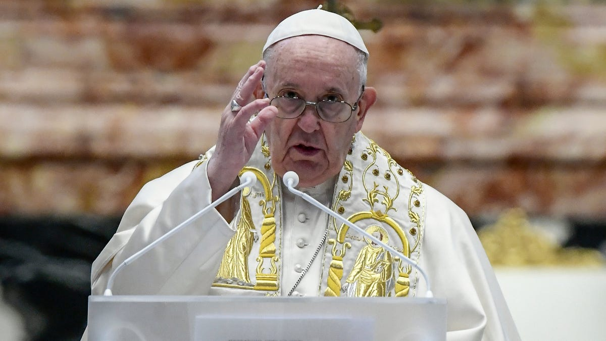 In Easter speech, pope calls wars amid pandemic 'scandalous' 3