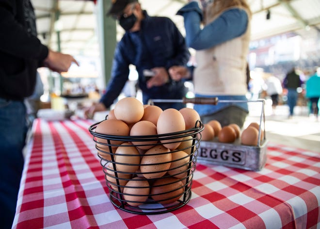 This two-part series, presented by boutique consulting firm Small Potatoes, will give practical tips on selling at a farmers market while maximizing the return on the time invested.
