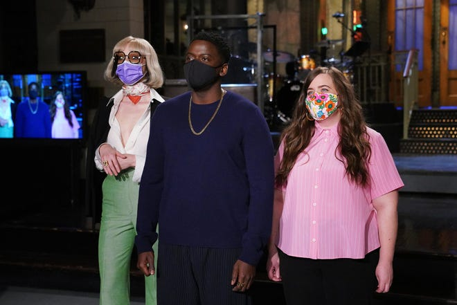 Pictured: (l-r) Musical guest St. Vincent, host Daniel Kaluuya, and Aidy Bryant during Promos in Studio 8H on Thursday, April 1, 2021