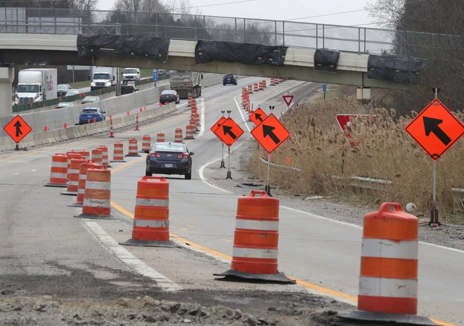 Construction continues on state Route 8 south of the Route 303 entrance in Hudson, which is scheduled to close Monday for a month.