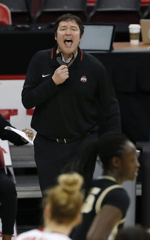 Coach Kevin McGuff, here giving instructions during a game against Purdue on Feb. 18, is 171-85 with two Big Ten titles at Ohio State.
