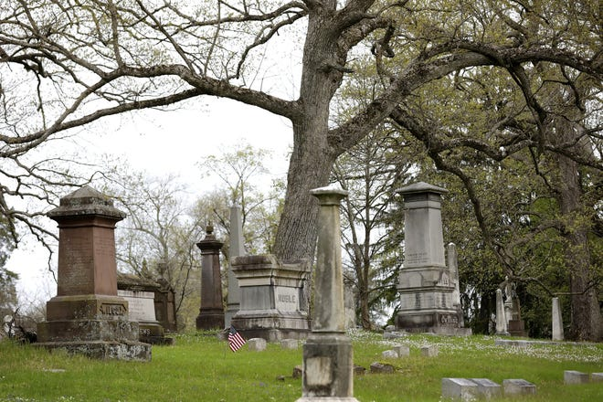 An Ohio Humanities grant was awarded to Green Lawn Cemetery, Columbus Landmarks and the Columbus Library that will facilitate three virtual panel discussions on the historic cemetery, historical walking tours planned for late summer, and more. [Dispatch file photo]