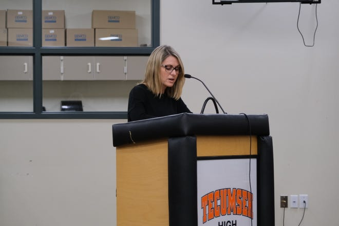 Tecumseh parent Laurie Chenevey speaks during public comment during a special meeting of the Tecumseh Public Schools board Tuesday, March 30, in support of athletic director Jon Zajac who has resigned, effective at the end of the school year.