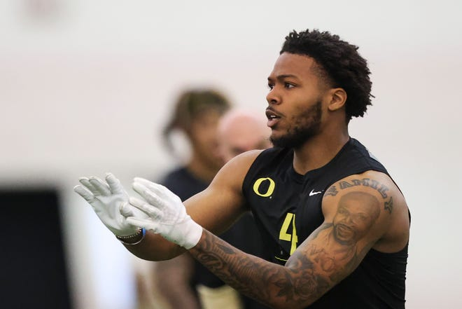 Former Oregon cornerback Thomas Graham participates in a drill at the 2021 pro day event in the Moshofsky Center.