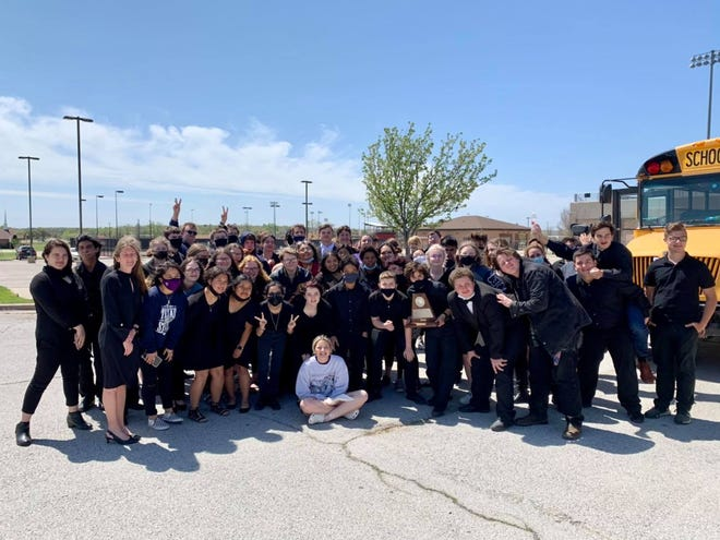 The Stephenville High School Symphonic Band earned sweepstakes on Wednesday, March 31, at the  UIL Concert and Sight Reading contest held at Mineral Wells. The comments from all the judges were very complimentary.