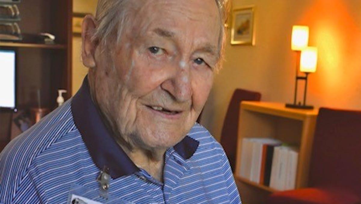Worth the wait: World War II veteran gets Bronze Star after nearly 80 years 1