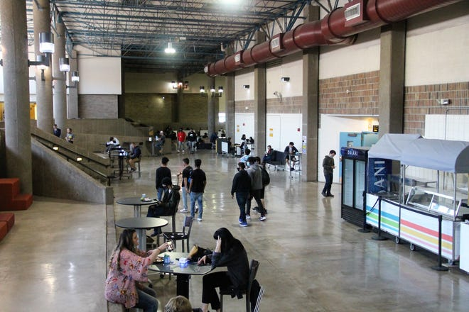 Alamogordo High School welcomed students back to fulltime in-person learning on March 29, 2021.
