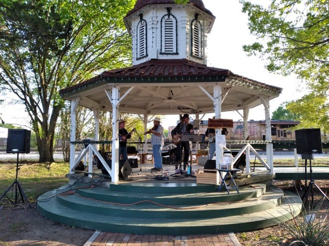 The Music in the Park series has returned to downtown Smithville every Thursday from 6-8 p.m. in the gazebo at the end of Main Street.