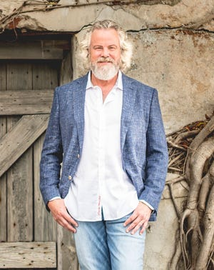 Robert Earl Keen plays a socially distanced show Sunday in St. Augustine.