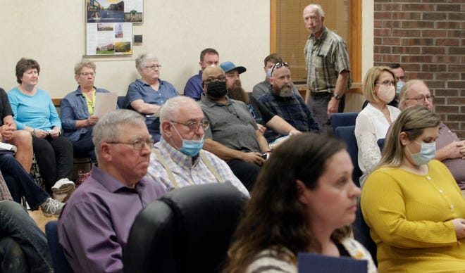 Moberly's April 5 city council meeting attracted about 55 persons in attendance. More than half of the attendees exited the business gathering at City Hall once the council voted unanimously to approve a temporary overnight warming shelter to operate moving forward between Nov. 1 and March 31.