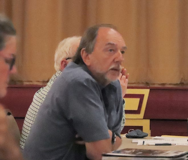 First Ward Alderman Mike Barr asks a question during Monday's Pontiac City Council meeting.