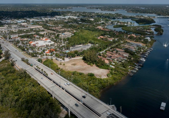 A parcel of land near the Shops at Fisherman's Wharf has won the town's approval for commercial development in Jupiter, Florida on April 6, 2021. (Photo: Greg Lovett, The Palm Beach Post)