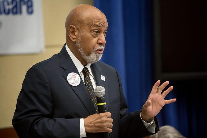 Longtime U.S. Rep. Alcee Hastings, a Democrat from west Boynton Beach, speaks at a West Palm Beach forum on Social Security and Medicare in August 2014.