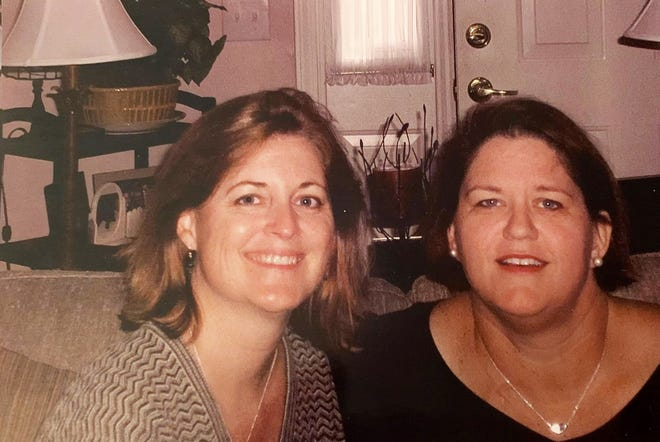 Theresa Levering, left, and Cheryl Blackburn grew up together in Nokomis. In 2008, when Blackburn needed a kidney, Levering gave her one.
