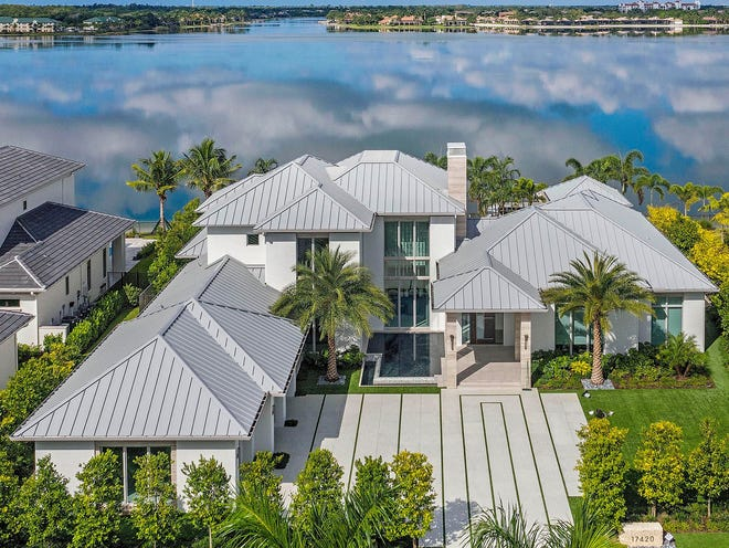 Gulfshore Homes has earned a reputation for building the finest luxury homes in Southwest Florida's most prestigious communities.