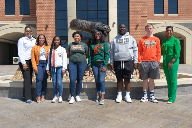 Florida A&M University students will partner with students from Oak Ridge Elementary School in April, 2021. From left to right: Allyson Watson, Dean of FAMU College of Education; Ameenah Shakir, Living Learning Community Director-College of Education; FAMU students Taylor Skelton, Amiyah Deas, Kamaria Baker, Dean Verret, Zachary Agold; Jasmine Smith, Oak Ridge Elementary School Principal.