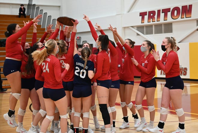 The Carl Sandburg College volleyball punched its ticket to the NJCAA Division II National Championships with a 22-25, 25-14, 25-23, 26-24 victory over Triton on Friday, April 2, 2021 in the championship match of the Region IV District B tournament.
