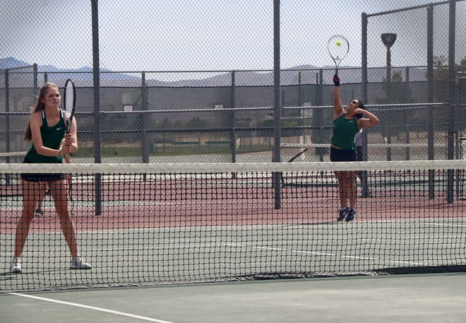 Sam Rosal and Emma Kimbler were able to pick up one win for the doubles players, defeating the Bulldogs No. 2 duos 6-3.