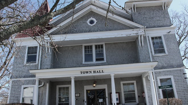 The Mattapoisett Town Hall is supposedly haunted by a former town clerk from the 1930s named Abner Harlow.